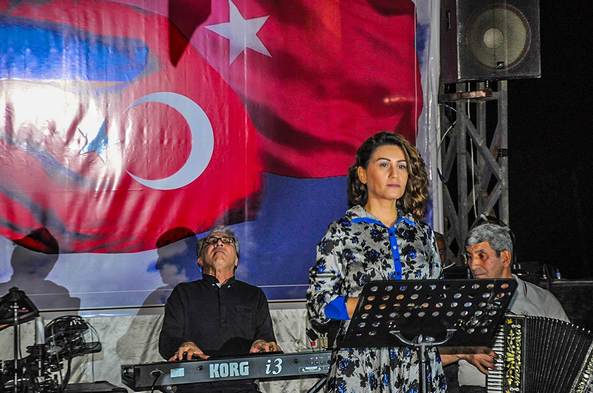 Xalq Artisti Azərin'in Türkiyəli hərbi qulluqçular və onların ailə üzvləri önündə verdiyi konsert